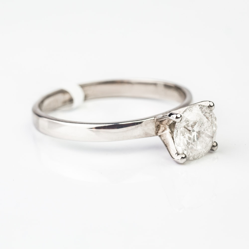 """Engagement ring with brilliant """"Unforgettable 2"""""""