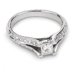 """Auksinis žiedas su Deimantais """"Princesė 30"""""""