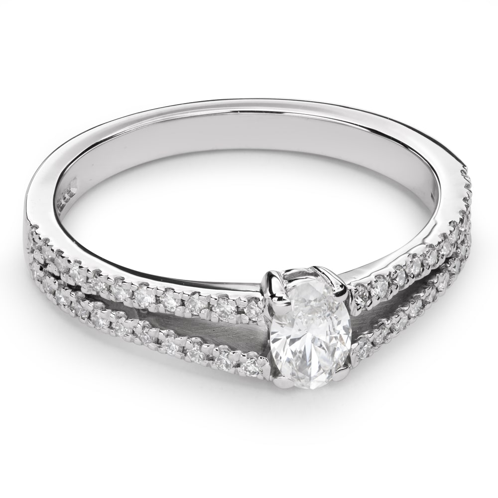 """Engagement ring with diamonds """"Grace 90"""""""