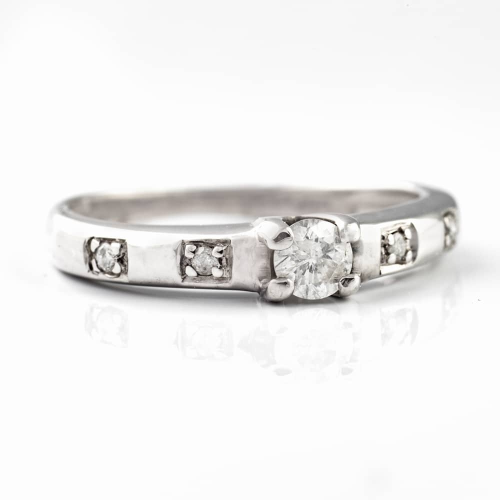 """Engagment ring with brilliants """"Grace IV"""""""